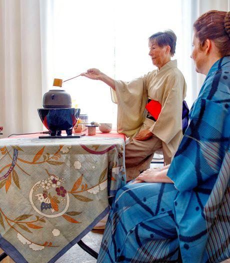 Japanse theeceremonie: rustpunt bij kunstmarkt