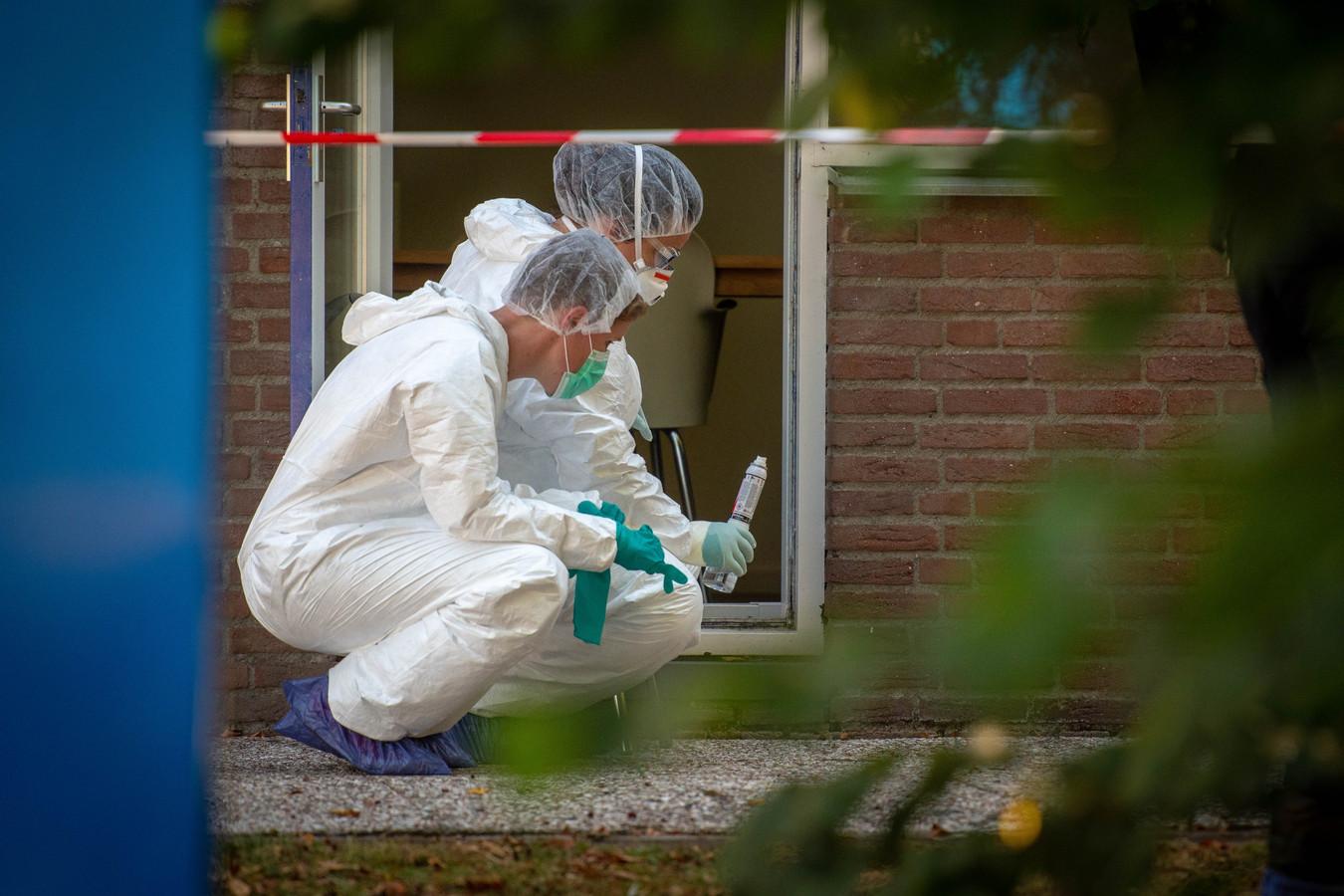 54-jarige man is dood gevonden in een kantoorpand aan de Ondernemingsweg in Alphen.