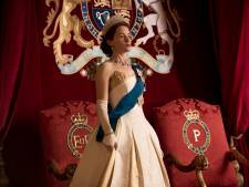 Claire 'The Crown' Foy en man liggen in scheiding