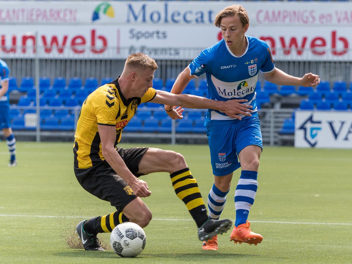 Levi van der Spek, hier voor PEC Zwolle in actie tegen DVS'33, gaat naar SVZW.