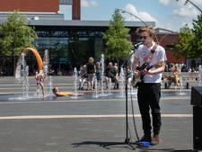 GroenLinks Dronten wil meer aandacht voor lhbt'ers: 'Geef de fontein de kleuren van de regenboog'