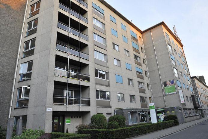 Vierentwintig serviceflats van Hof ter Beke in de Balansstraat werden ontruimd.