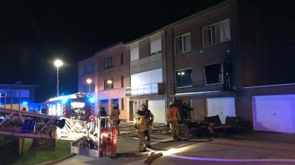 """4e776229b40 De bewoonster, een zeventiger, van een bel-etage in de Vitsgaard in Opwijk  raakte op Kerstdag gewond na een brand in haar woonst. """"Ze was."""