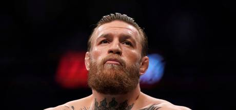 Officeel: MMA-legende Conor McGregor tekent contract voor rentree
