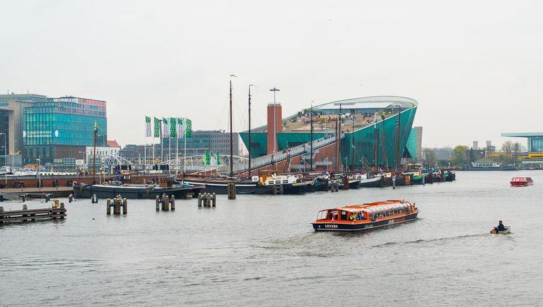 Waar de IJtunnel omlaaggaat, komt Nemo omhoog. Beeld Maarten Steenvoort