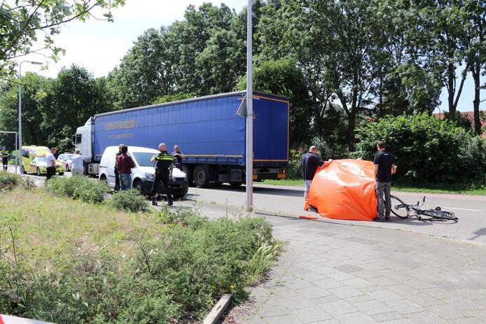 Dodelijke aanrijding op de Niels Bohrweg op industrieterrein Lage Weide.