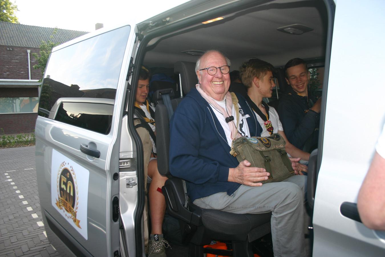 Hein van den Berg vertrekt voor de 50ste en laatste keer met zijn Rowans op kamp in Duitsland.