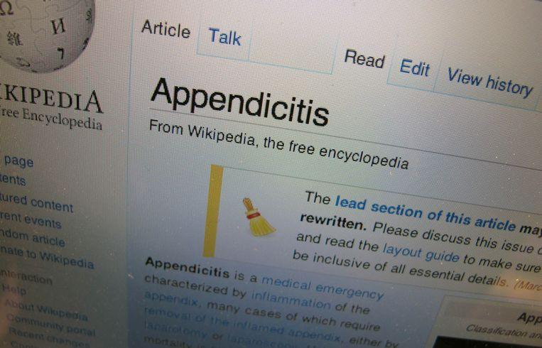 Deel van de Engelstalige Wikipedia-pagina over blindedarmontsteking, met bovenaan de toevoeging dat het onderwerp zou moeten worden aangevuld en herschreven. Beeld Wikipedia