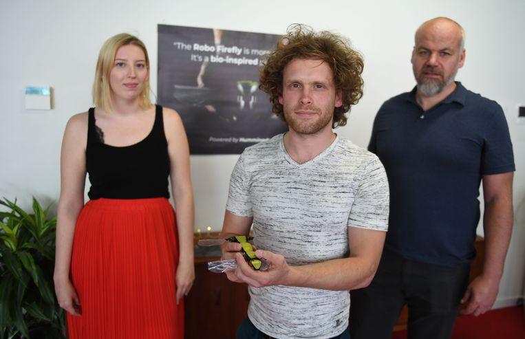 Lynn Van Vreckem, Frederik Leys en Hans Verhoeven hopen de wereld te verbazen met hun bijzondere drone.
