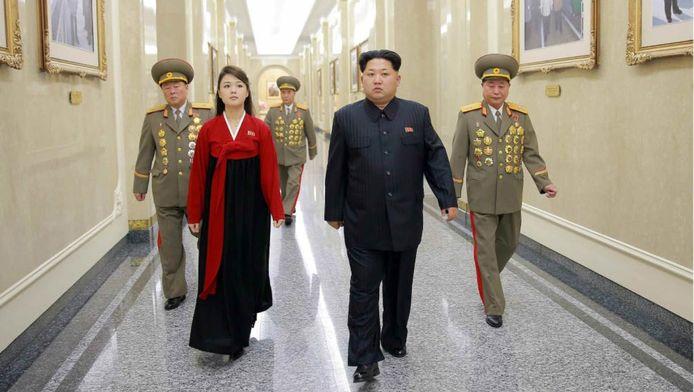 Kim Jong-un en zijn vrouw Ri Sol-ju op archiefbeeld