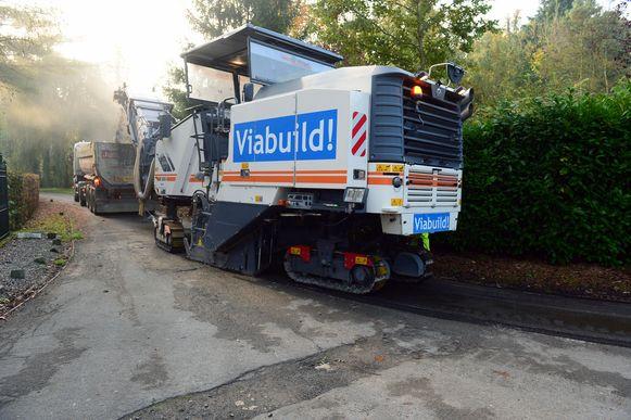 De asfalteringswerken in de Sparrendreef zijn gestart.