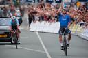 Elia Viviani wint het EK, Yves Lampaert moet genoegen nemen met het zilver.