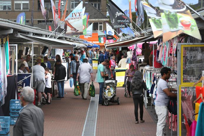 Haagse Markt voor het eerst op zondag open.(Den Haag 31-07-2016) Foto:Frank Jansen