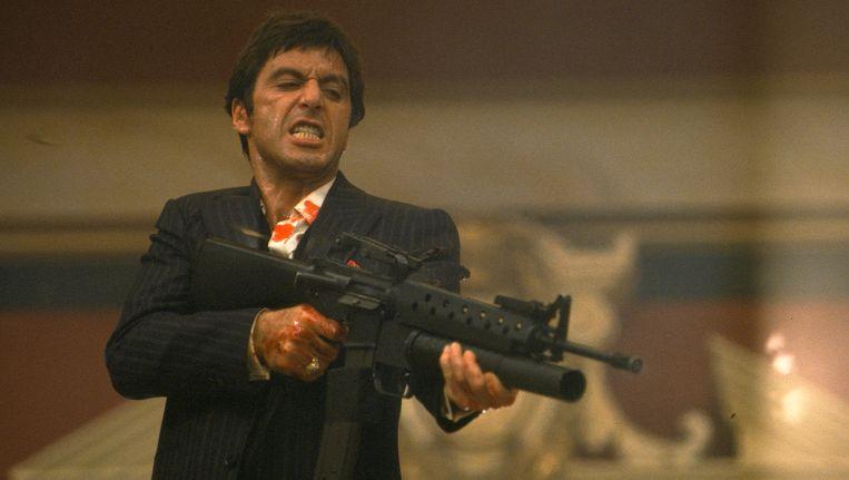 Al Pacino, ofwel Tony Montana, in Scarface. Het geweer is immens populair in Amerika. Beeld AP