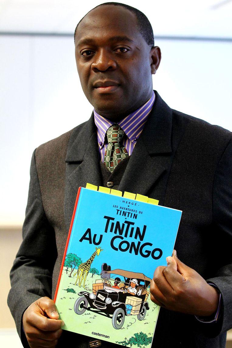 De Congolees Mbutu Mondondo Bienvenu met het gewraakte album Beeld afp