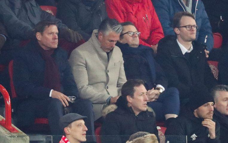 Arnesen naast Verschueren jr. en Coucke in de tribunes op Sclessin.