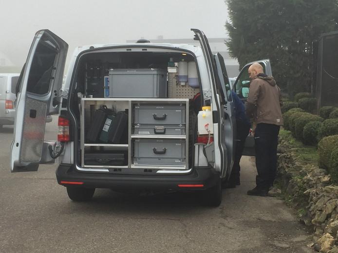 De technische recherche onderzocht de parkeerplaats van een camping aan de Maasbandijk in Kerkdriel