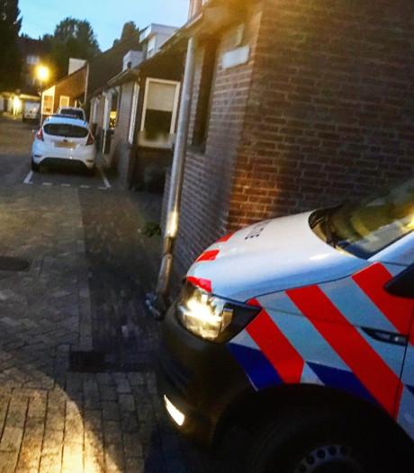 Bezorgauto met boodschappen  ramt huis in Sliedrecht
