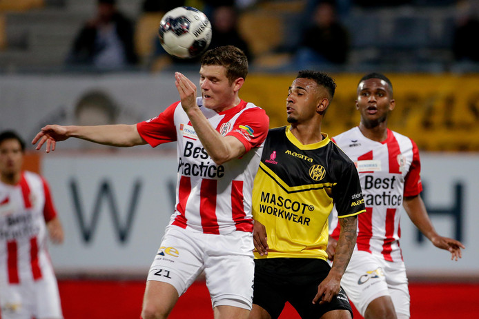 Doelpuntenmaker Philippe Rommens in actie tegen Roda JC.