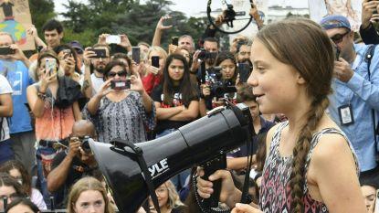 Greta Thunberg voert actie voor het Witte Huis met enkele honderden supporters