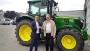 Gemeente Berlare koopt nieuwe tractor aan om onkruid te verwijderen en te borstelen