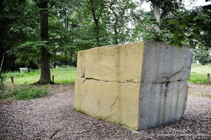 Kunstwerk Ursprung van kunstenaar Ulrich Rückriem.