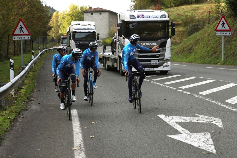 Het Movistar Team bereidt zich voor op de Ronde van Spanje, die op 20 oktober van start gaat. Beeld EPA