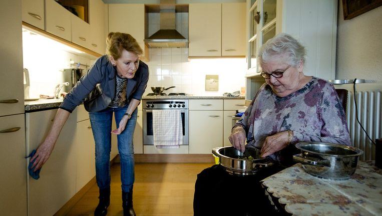 Zo'n 19.000 Amsterdammers krijgen hulp in de huishouding Beeld ANP