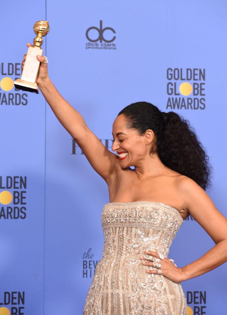 Tracee Ellis Ross met haar Golden Globe voor haar rol in 'black-ish'.