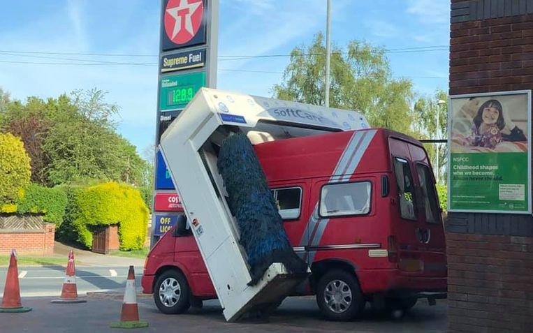 Wellicht gaf de chauffeur gas om toch buiten te kunnen rijden.