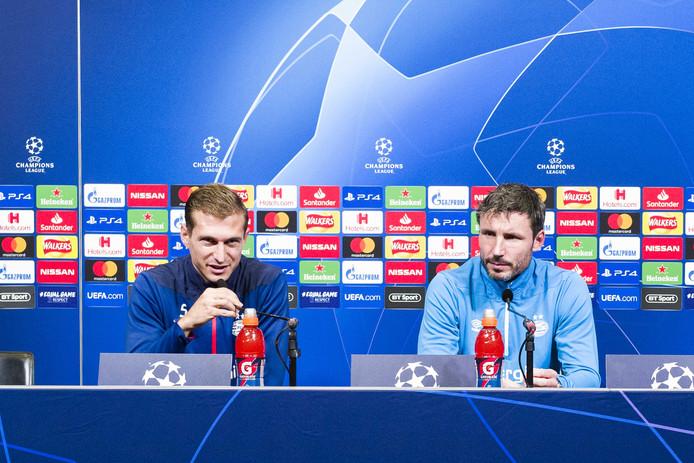 Daniel Schwaab en Mark van Bommel eerder dit seizoen op Wembley, daags voorafgaand aan Tottenham Hotspur-PSV.