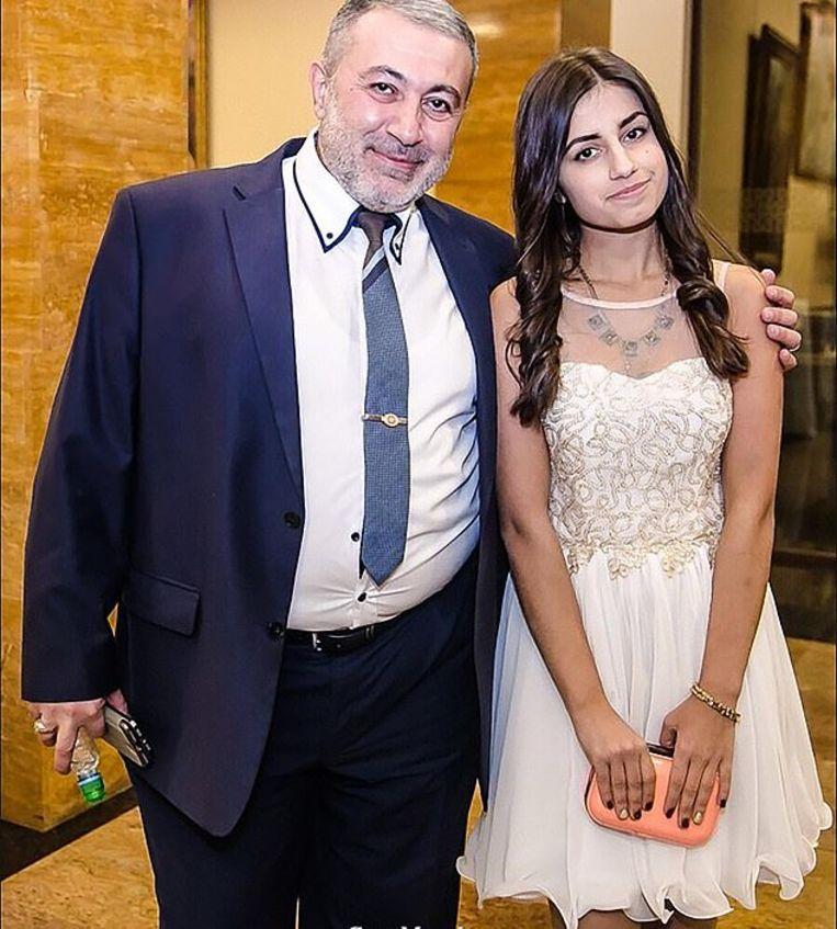 Mikhail Khachaturyan met zijn dochter Angelina.