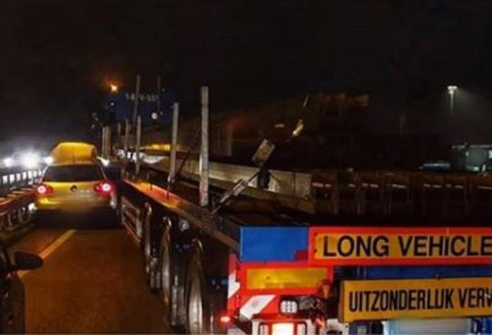 Ongeluk op Burgemeester Letschertweg in Tilburg.