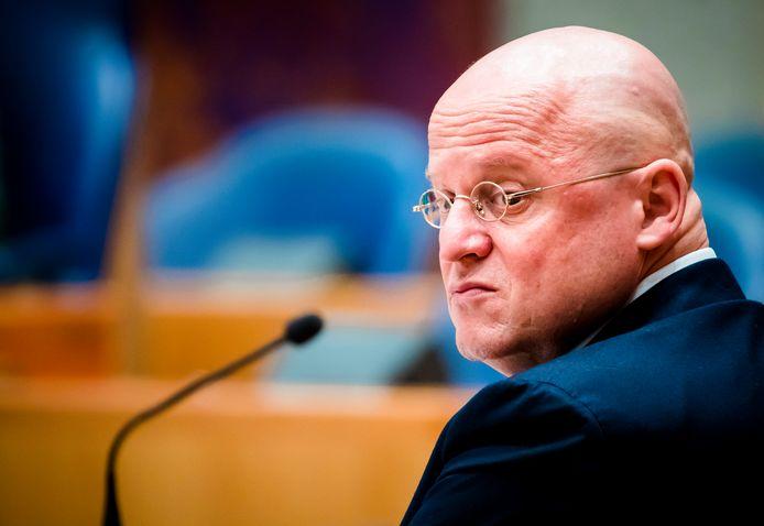Minister Ferd Grapperhaus van Justitie en Veiligheid (CDA) tijdens het debat in de Tweede Kamer over de onafhankelijkheid van het onderzoeksinstituut WODC.