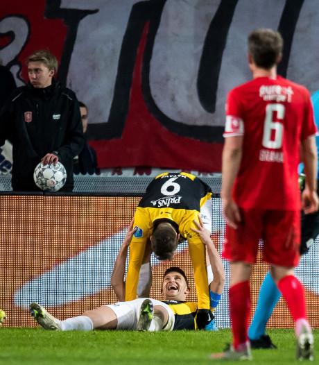 Inspiratieloos FC Twente kansloos onderuit tegen Vitesse