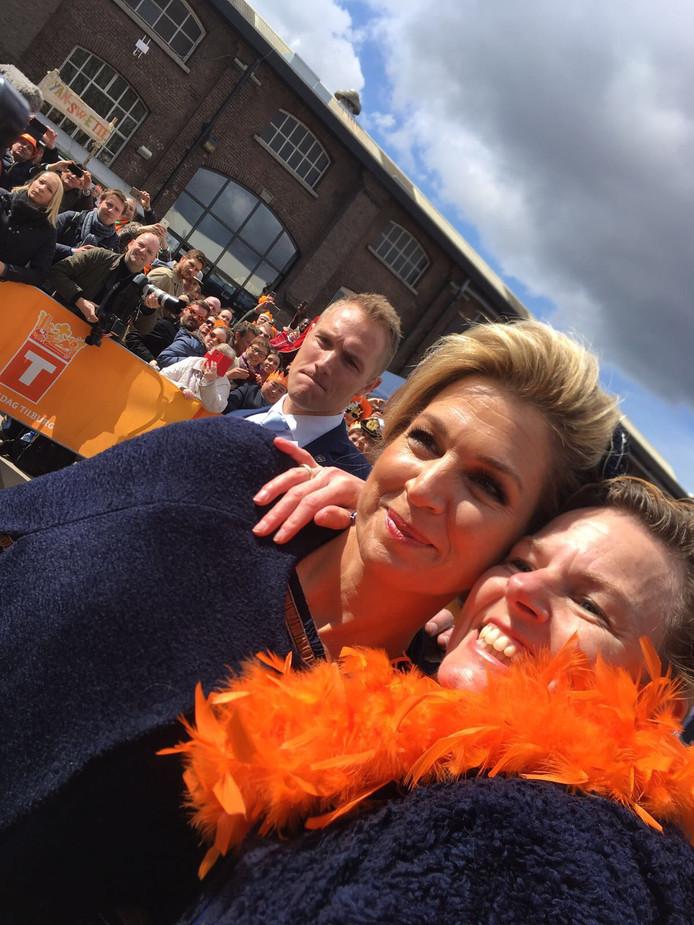 Adriënne Dirven uit Berkel-Enschot heeft Maxima kunnen strikken voor een selfie.
