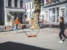 Creatief met corona: badmintonnen op parkeerplaatsen in Gent