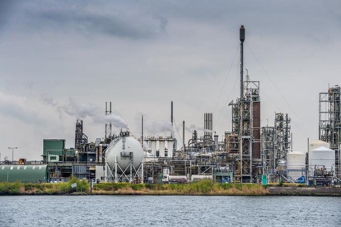 De fabrieken van Chemours in Dordrecht.