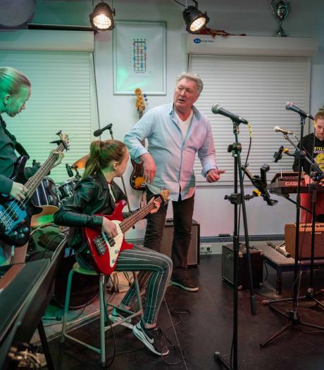 App van Arnhemse muziekdocent gaat de wijde wereld in