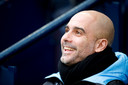 Guardiola lachend voorafgaand aan het competitieduel met Crystal Palace van vanmiddag.