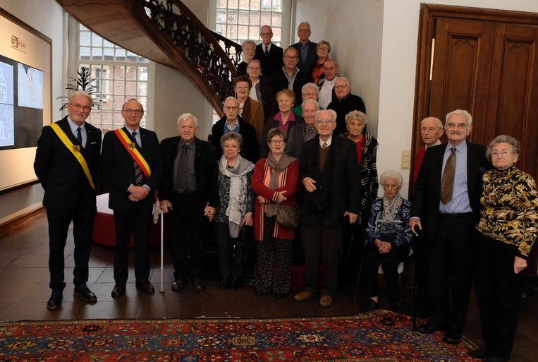 Burgemeester Frank Boogaerts en schepen Rik Pets ontvingen vandaag elf jubilerende koppels in het Lierse stadhuis.