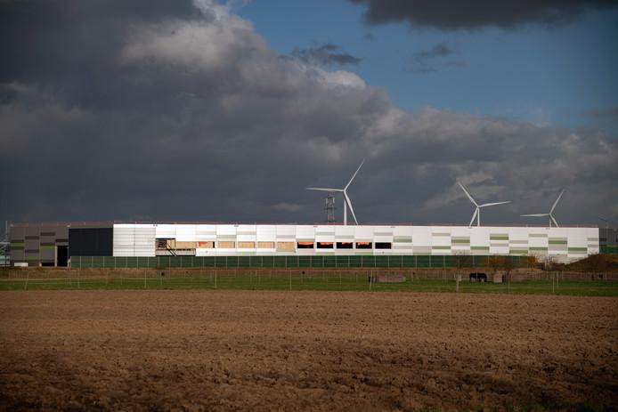 Het distributiecentrum van Albert Heijn in aanbouw op Park 15, naast de A15.