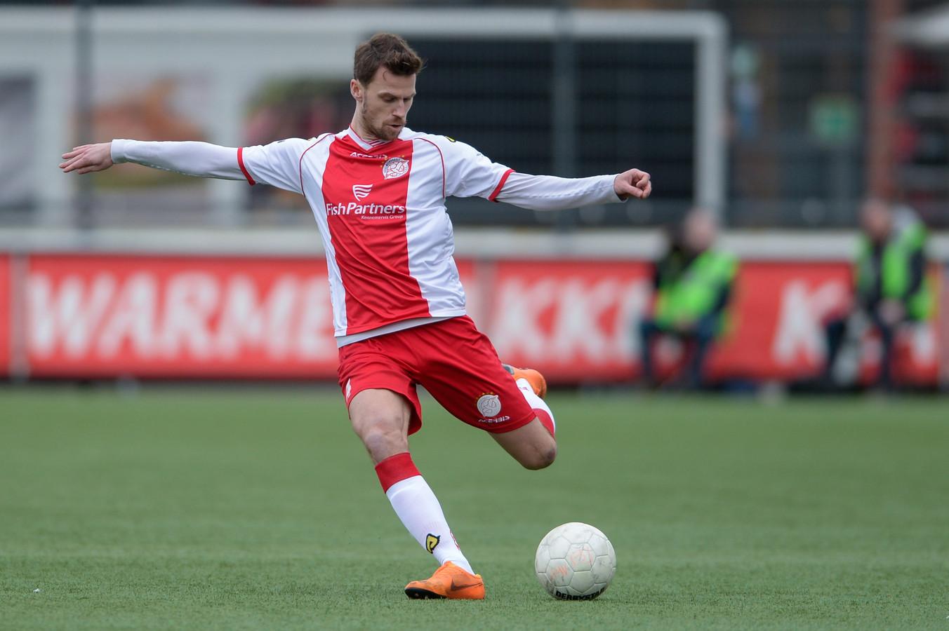 Yannick Cortie, hier nog in het shirt van IJsselmeervogels, maakt de overstap naar de Hoornaarse zaterdag-derdedivisionist SteDoCo.