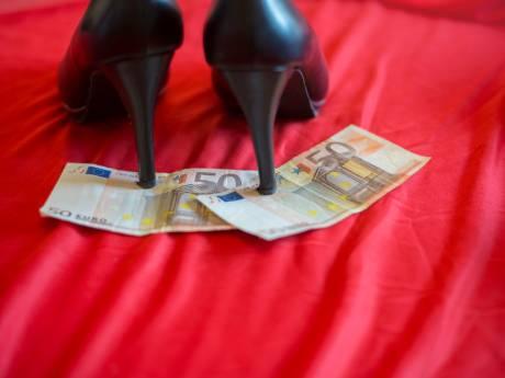 Sekswerkers zoals Juanita in Deventer worden vergeten in corona-tijd, ze verdienen én krijgen nagenoeg niks: 'Ik kan mijn boodschappen niet meer betalen'