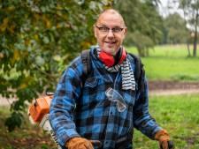 Nieuwe kleren, wandelen of met de bosmaaier aan de slag: zo houden zij de moed erin!