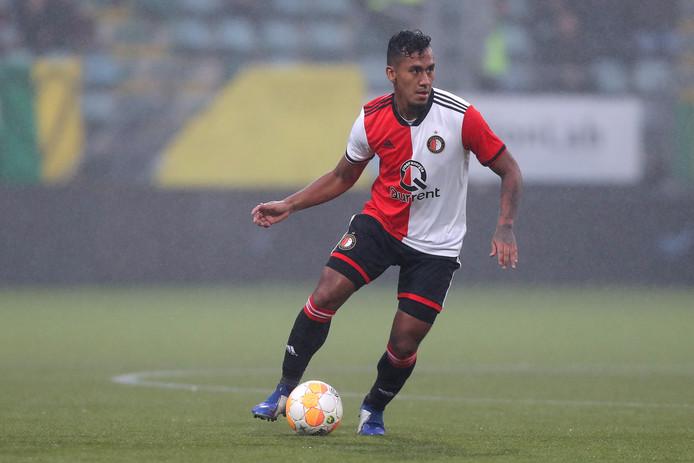 Een overgang van Renato Tapia op huurbasis van Feyenoord naar Willem II is volgens technisch directeur Joris Mathijsen nog lang niet concreet.
