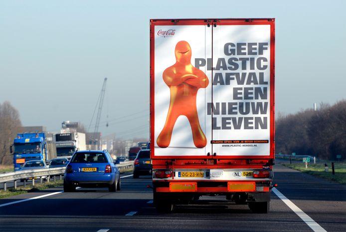 Plastic afval wordt in Nederlandse gemeenten al jaren apart ingezameld. In Etten-Leur ontstond deze week even verwarring over hóe dat daar gebeurt.