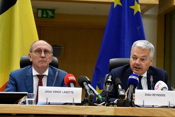 Reynders is sinds enkele maanden ook federaal informateur, samen met Johan Vande Lanotte.