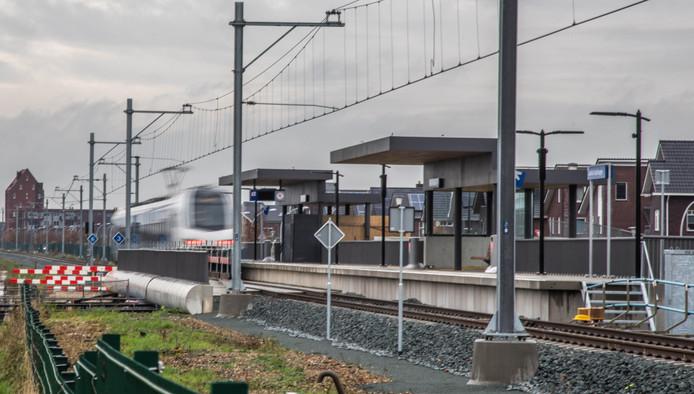 Station Stadshagen is klaar en wacht op passagiers.
