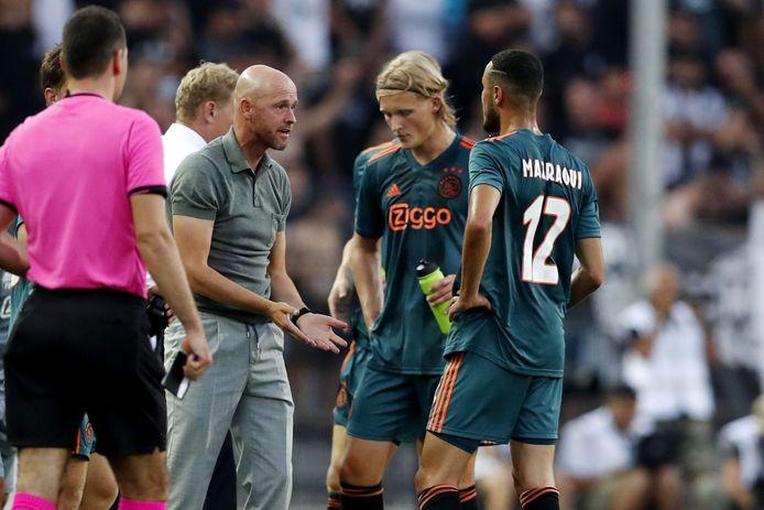Kasper Dolberg viel dinsdagavond met een blessure uit tijdens PAOK - Ajax.